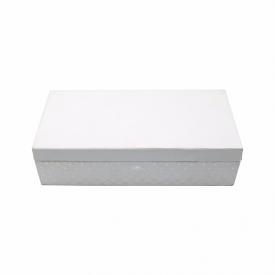 White romantic and delicate clamshell jewelry packaging box
